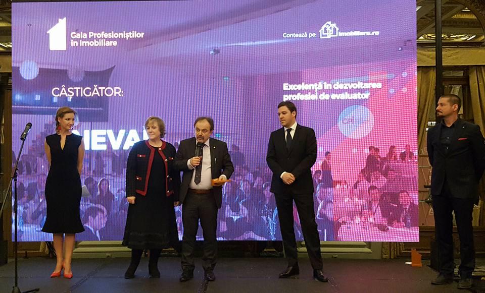 ANEVAR a primit Premiul pentru Excelenta in dezvoltarea profesiei de evaluator la Gala Clubului Profesionistilor in Imobiliare 2017