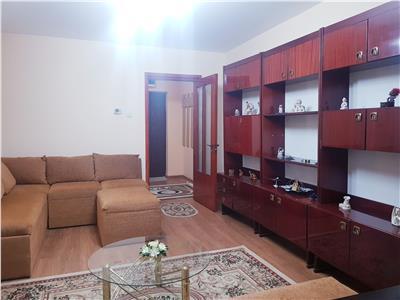 Chirie apartament doua camere decomandate. Zona Tic Tac. Mobilat