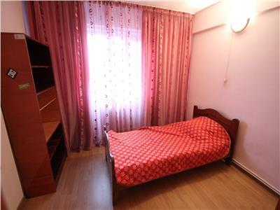 Inchiriere apartament 3 camere ultracentral. Etaj 3. Mobilat