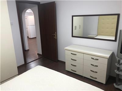 Chirie apartament 3 camere zona Arena Mall. Mobilat. Renovat