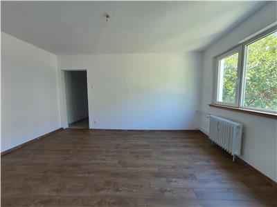 Apartament 2 Camere - zona Miron Costin - Etaj 1 - Renovat