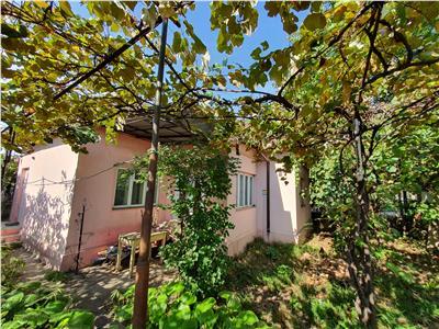 Casa caramida Parter si teren aferent 373 mp Calea Moldovei stradal